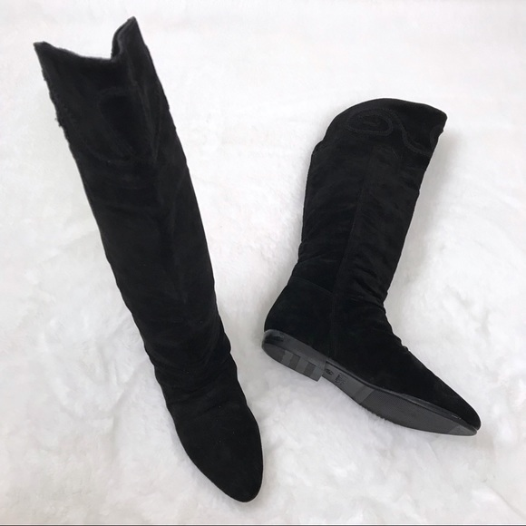 be7a95729b0d6 Vintage • Suede 80s Black Embroidered Flat Boots